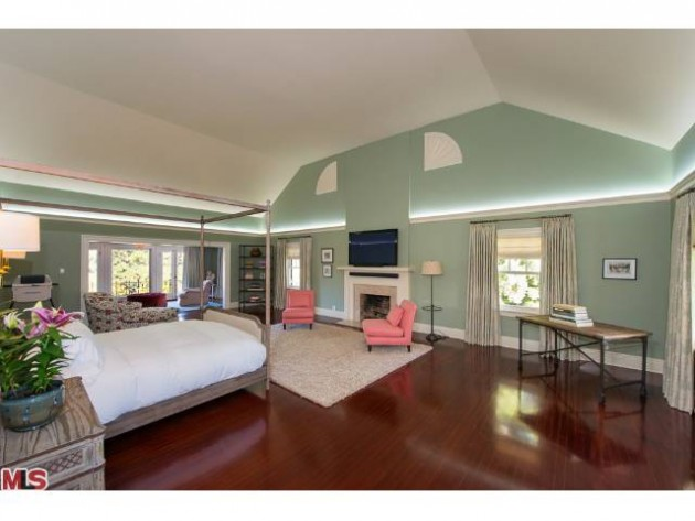 LUXURY LEASE: 1006 N. Crescent Drive, Beverly Hills