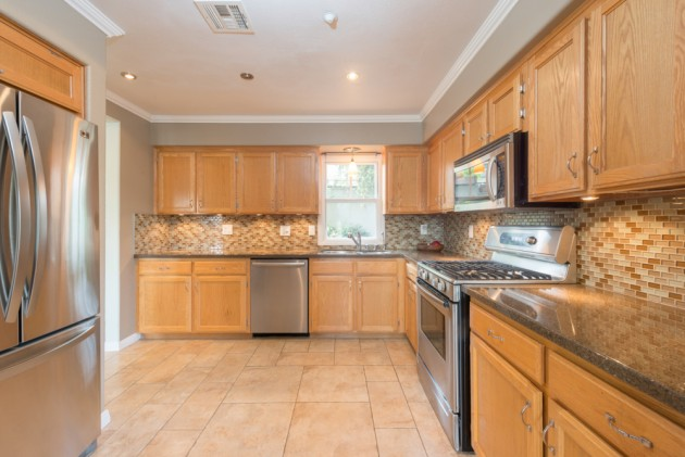 1st Time Home Buyer Special: 830 E. Kensington Rd. #7, Angelino Heights
