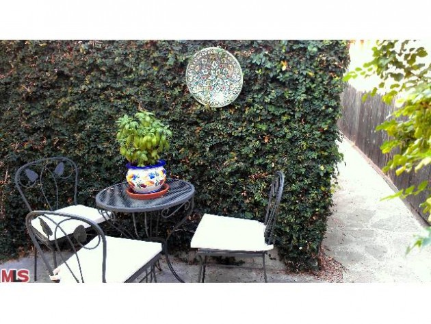 1ST TIME HOME BUYER SPECIAL: 1140 Manzanita St, Silver Lake
