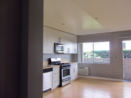 Fabulous Find in Santa Monica: Modern, Pristine 2 +2 with Your Own Private Patio