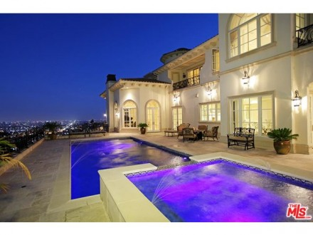 LUXURY LEASE: 2025 Live Oak Dr, Los Feliz