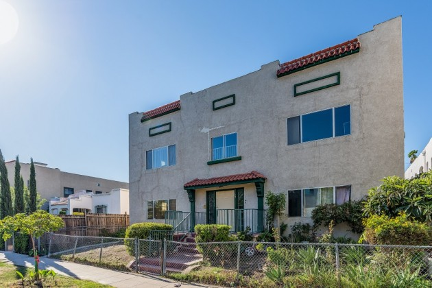 SOLD! | 127 N RENO ST, SILVER LAKE |$900,000 | TRG Sales